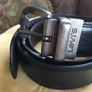 Levi's Men's Reversible Black-Brown Leather Belt